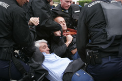 Augustin Bonrepaux emmené par la gendarmerie à Arbas