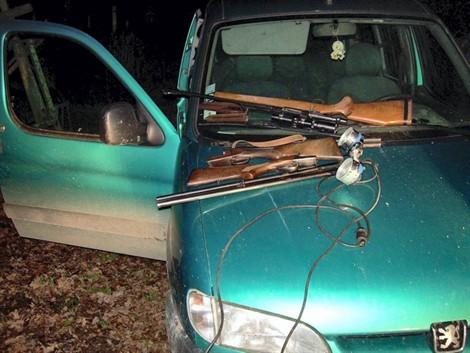 Braconniers, actes de braconnage, tirs sur animaux domestiques ou d'élevage, tirs sur véhicules ou maisons d'habitation, menaces, conflits à la chasse
